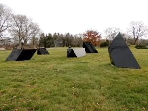 Tony Smith, Wandering Rocks (2/5), 1967, painted steel. Lynden Sculpture Garden, Milwaukee, WI. Uploaded to Wikipedia on15 November 2012 by Gabrielle DuCharme