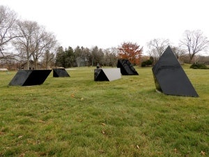 Tony Smith, Wandering Rocks (2/5), 1967, painted steel. Lynden Sculpture Garden, Milwaukee, WI. Uploaded to Wikipedia on15 November 2012 by Gabrielle DuCharme