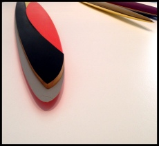 "Isa Genzken, Rot-schwarz-gelbes Ellipsoid 'S.L. Popova' (Red-Black-Yellow Ellipsoid ""S.L. Popova), 1981 (Detail)."